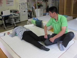 骨盤矯正法 足首回しのサムネール画像